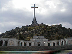 Franco is entombed in the monument of Santa Cruz del Valle de los Caídos.