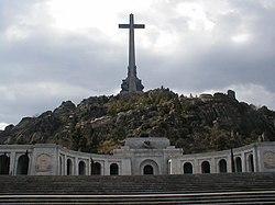 PROPUESTAS DE RULADA DE LA COMUNIDAD DE MADRID - DOMINGO 8 DE MARZO 250px-Santa_Cruz_del_Valle_de_los_Ca%C3%ADdos