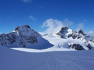 Signalhorn (Silvretta Alps) - Signalhorn (left) and Silvrettahorn (right) from the east