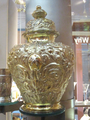 Silver-gilt vase and cover, Walker Art Gallery.png