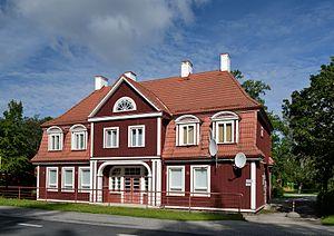 Sindi, Estonia - Image: Sindi raudteejaama peahoone
