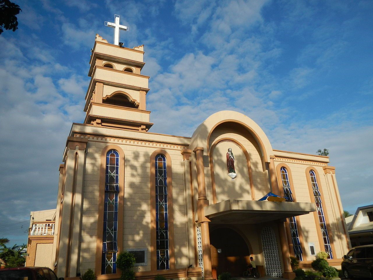 7 Passenger Vehicles >> File:St. Jude Thaddeus Church in Brgy. Cotta, Lucena City.jpg - Wikimedia Commons