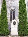 St Michel de Montaigne Stèle.jpg