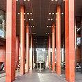 Stadthaus Köln, Säulengang zum westlichen Eingang-9489.jpg
