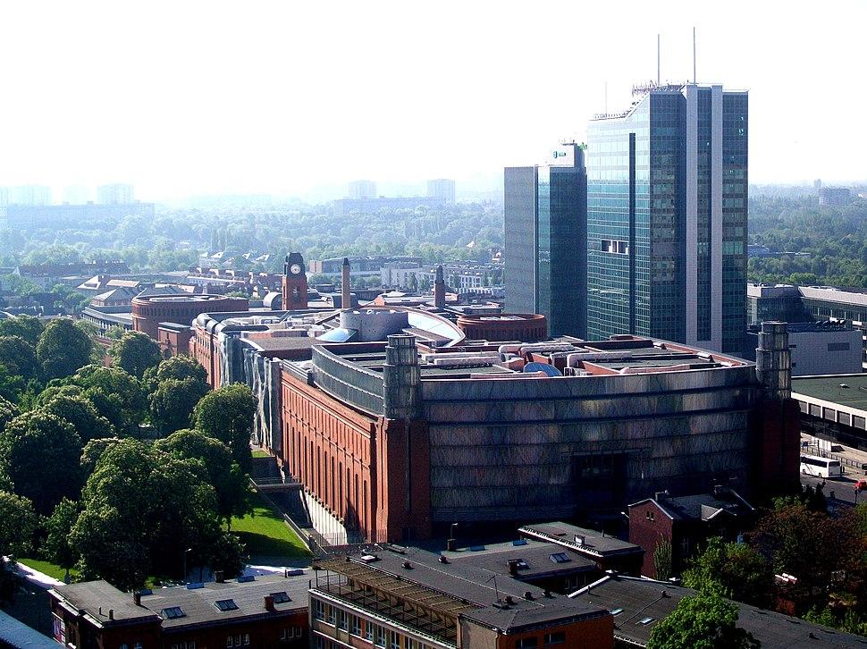 Stary Browar w Poznaniu widziany z Uniwersytetu Ekonomicznego