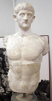Statua virile in nudità eroica, forse di druso III figlio di germanico e agrippina maggiore, 1-50 dc ca, da roselle.JPG