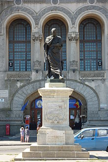 Ettore Ferrarin (1887) patsas muistoksi Ovidiusin pakkosiirtolaisuutta Tomisissa, Romaniassa