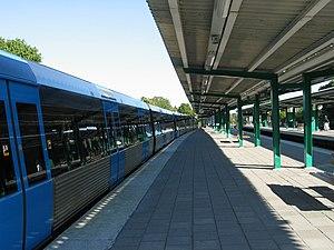Åkeshov metro station - Image: Stockholm subway åkeshov 20060913 003