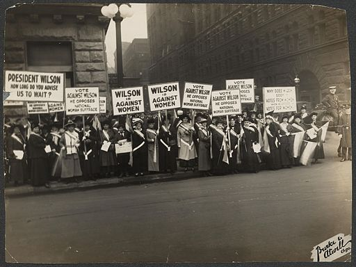 Suffragists Protest October 1916 276015v