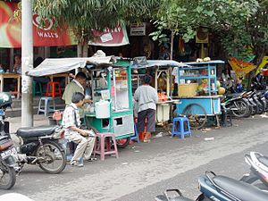 Sukawati - Street scene in Sukawati
