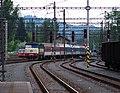 Třinec, vlak sunutý dieselovou lokomotivou při výluce elektrické trakce.jpg