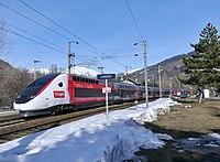 TGV 6435 Paris--Bourg-St-Maurice à Landry en Savoie (hiver 2019).JPG