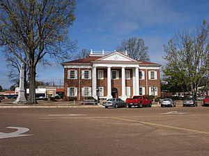 Charleston, Mississippi - Tallahatchie County Courthouse and Confederate Monument in Charleston
