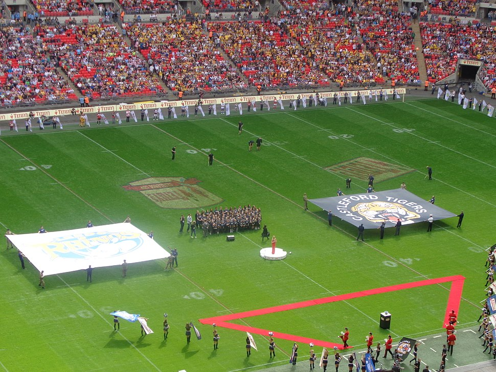 Teams lining up before the 2014 Challenge Cup Final (23rd August 2014) 003