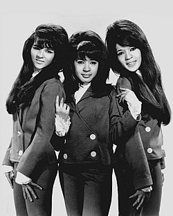 The Ronettes v roku 1966