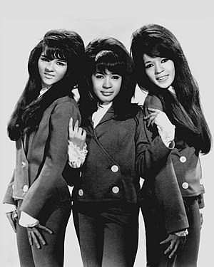 Wall of Sound - The Ronettes, one of the several girl groups Spector produced in the early to mid-1960s