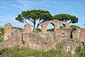 Thermes de Mithra (Ostia Antica) (5901345890).jpg