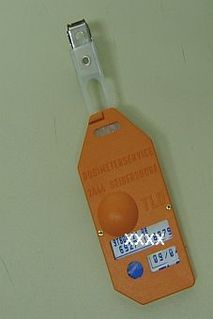 Thermoluminescent dosimeter measurement method for ionizing radiation
