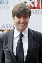 Thomas Newman wearing a suit attending the Classic Brit Awards.