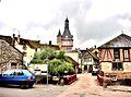 Tour de l'horloge et centre ancien de Saint-Fargeau.jpg