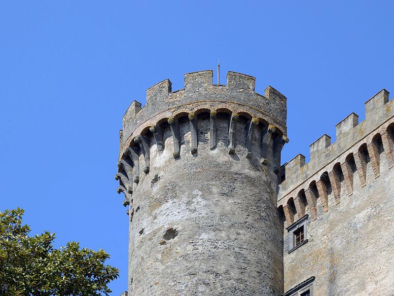 File:Tower of Castello Orsini-Odescalchi (Bracciano).jpg