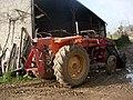 Tractor-Renault-551 01.JPG