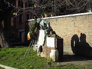 Trilussa - Trilussa monument in Trastevere
