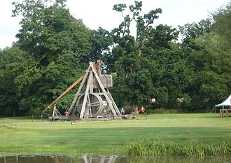 Middelaldercentret - The trebuchet at Warwick Castle build by Middelaldercentret