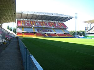 Stade Saint-Symphorien - Image: Tribune Ouest Saint Symphorien