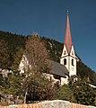 Trins Dorfplatz mit Kirche (cropped).jpg