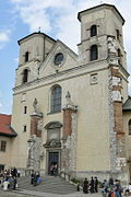 Tyniec-fasada kościoła w opactwie.jpg