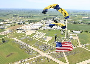 Davenport Municipal Airport (Iowa) - U.S. Navy parachute demonstration team at the 2010 Quad City Airshow