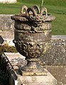 Urn at Oldway - geograph.org.uk - 1707434.jpg