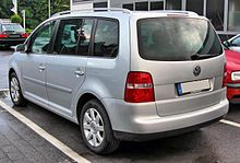 https://upload.wikimedia.org/wikipedia/commons/thumb/e/e7/VW_Touran_20090611_rear.JPG/220px-VW_Touran_20090611_rear.JPG