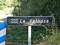 Valouse Saint-Priest la Coquille pont D79 panneau.jpg