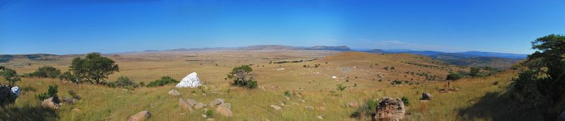 [عکس: 800px-View_Of_the_Isandlwana_Battlefield.jpg]