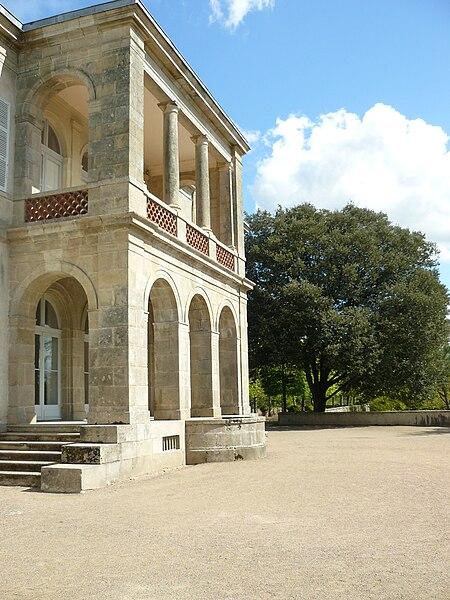 Villa Garenne Lemot, vue de la logia depuis la terrasse. Gétigné, Loire-Atlantique, France