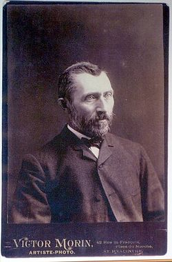 Vincent van Gogh photo.jpg