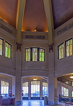 Vista House interior OR2.jpg