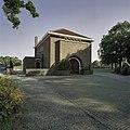 Voorgevel met ingangspartij van metaheirhuis - Muiderberg - 20407813 - RCE.jpg
