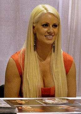 WW Chicago 2012 - Maryse Ouellet 01 (7785758332).jpg