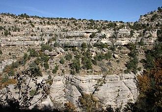 Toroweap Formation - Image: Walnut Canyon North Wall