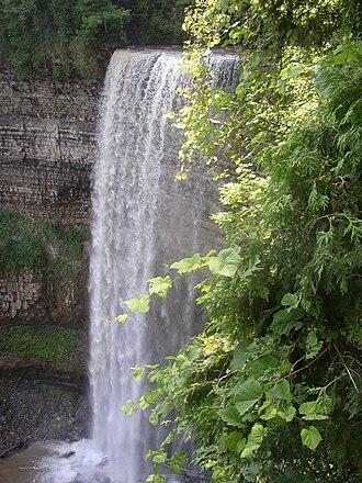 Tew's Falls - Image: Waterdawn Tew's Falls 2
