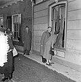 Watersnoodramp 1953. Koningin Juliana bezoekt Nieuw-Vossemeer, Bestanddeelnr 905-6105.jpg