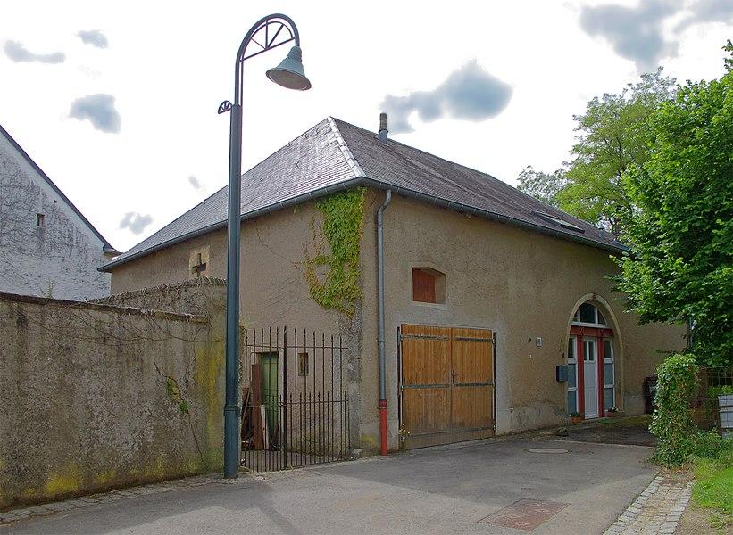 Building in Weiler-la-Tour, 10 rue du Château