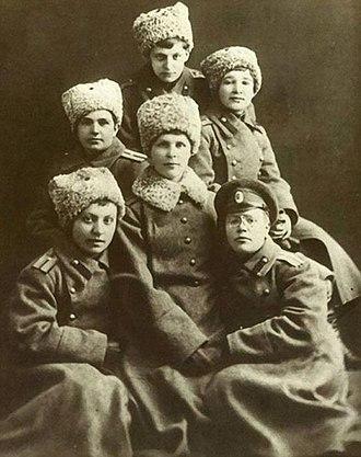 White movement - White female officiers in 1917