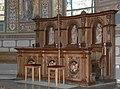 Wuchzenhofen Pfarrkirche Chor Chorgestühl rechts.jpg