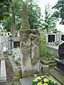 Zabytkowe groby na cmentarzu w Jazgarzewie 6a.jpg