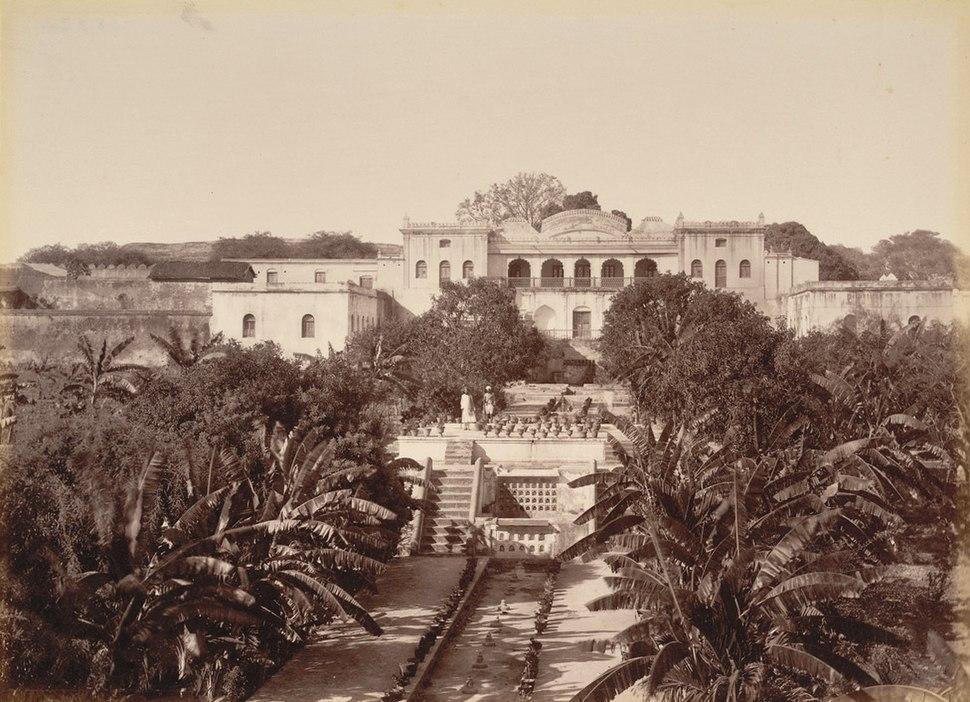 Zaibunissa palace