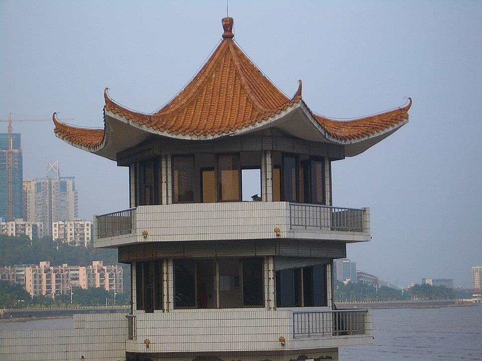 Zhuhai-Qinglu-border-guards-booth-0631